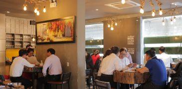 Sôi động giao dịch trong cafe mở bán căn hộ cho thuê Minh Trần House 2-9 Đà Nẵng